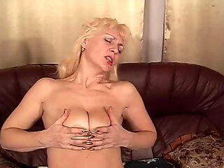 Russian fucking mommy Viki, 61 y.o.