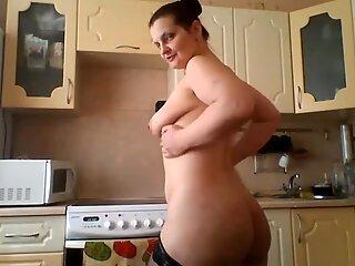 Nice mommy in red panties