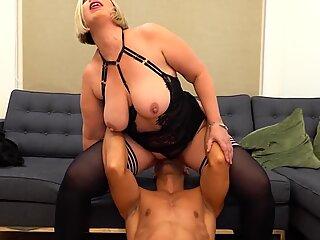 Big mom fucks lucky son