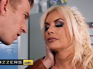 Brazzers - Big tit british blonde Tommie Jo gets loves anal in locker room