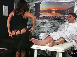 Mature UK cougar tugging and sucking