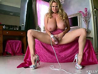 KELLY MADISON - Kelly is Pink and raw With Her playthings in the bathroom