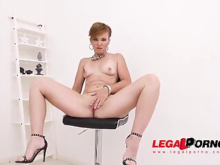 Hot MILF Isalyn welcome to Gonzo with first time Double Anal SZ2485