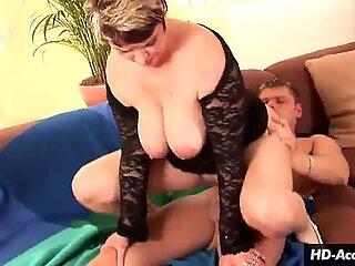 Horny MILF enjoys doing squats over a dick