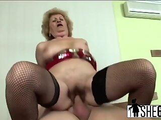 A horny dude licks a twat of hot granny then gets a blowjob before bangs old tramp