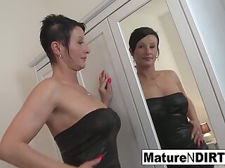 Brunette mature's ass is so cock-squeezing he spunks inwards her