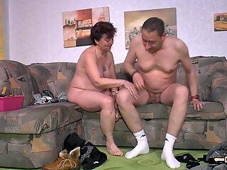 Hausfrau Ficken - Hot sex with amateur German housewife