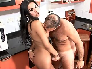 Latin TS sex with a hairy guy